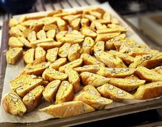 Cantuccini – try White Chocolate, Chocolate, Pistacchio, Almond or Pine Nuts Cantuccini Snack Recipes, Cooking Recipes, Snacks, Italian Almond Biscuits, Biscuit Cookies, Breakfast Time, Italian Recipes, Italian Foods, Biscotti