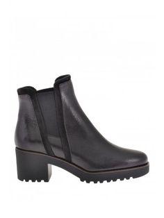 HOGAN Hogan Pebbled Leather Boots. #hogan #shoes #boots