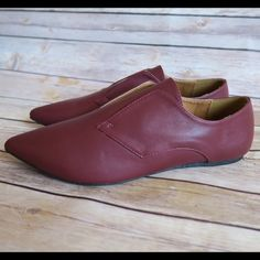 Pointy toe Oxford flats Brand: Qupid Size:7.5 New(no box)  Color: Garnet  Pointy toe Faux leather  Oxford style  Lace less design  Slip on style  No Trade Qupid Shoes Flats & Loafers