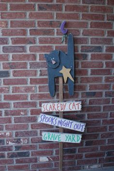 Scaredy Cat Yard Stake by Wasatch Wood Crafts - Today Pin Home Depot Christmas Decorations, Diy Crafts For Home Decor, Mobile Home Decorating, Orange Home Decor, Gold Home Decor, Winter Home Decor, Home Decor Websites, Home Decor Online, Home Decor Outlet