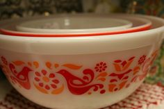 I am going to start collecting Antique Pyrex dishes! Love them.