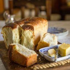 i learn how to make mosbolletjie bread at de wetshof wine estate