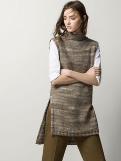 Women´s Sweaters & Cardigans at Massimo Dutti online. Enter now and view our Spring Summer 2019 Sweaters & Cardigans collection. Knit Vest, Knitted Poncho, Fashion Sewing, Knit Fashion, Vest Outfits, Fashion Outfits, Yellow Sweater Outfit, Sleeveless Turtleneck, Mode Hijab