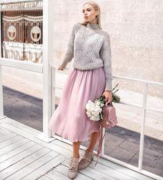 2,324 отметок «Нравится», 27 комментариев — T-Skirt - We Do Skirts! (@t.skirt) в Instagram: «Знаешь, как бывает: наступает прохладная погода, а идеального свитера нет - приходится искать у…»