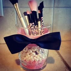 DIY Makeup Brush Holder | LUUUX