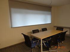 a můžeme začít prezentovat Conference Room, Table, Furniture, Home Decor, Decoration Home, Room Decor, Tables, Home Furnishings, Home Interior Design