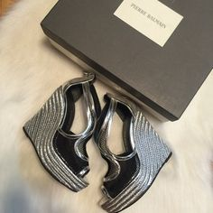 """NIB Pierre Balmain rope wedges ‼️NOT Balmain x HM‼️These are stunning!  I wish they fit me but they are too small.  I'm a 5.5 and sometimes could squeeze into a 5.  These are a 35 and I couldn't even get my feet into them!  They have a 5"""" wedge at the highest point and 1.5"""" at the lowest.  They are sold out everywhere!  Includes box but no dustbag. 76497
