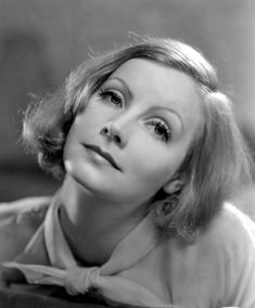 """Greta Garbo, photo by Clarence Sinclair Bull """"If only those who dream about Hollywood knew how difficult it all is. Hollywood Stars, Hollywood Cinema, Old Hollywood Glamour, Golden Age Of Hollywood, Vintage Hollywood, Classic Hollywood, Divas, Stars D'hollywood, Greta"""