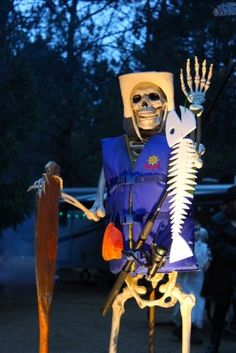 Halloween Camping Decorations, Outdoor Halloween, Halloween 2019, Halloween House, Holidays Halloween, Halloween Themes, Halloween Crafts, Halloween Party, Outdoor Decorations