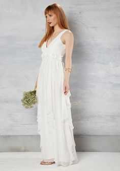 Slow Dance Splendor Dress in White. A softening of the music means its your time…