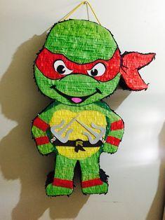 Tortuga ninja • Piñata • $580 | 2 días para hacerla + 5-6 días hábiles de envío a todo México | #artesaniasmexico Turtle Birthday Parties, Ninja Turtle Birthday, Monster High Birthday, Monster High Party, Ninja Turtle Pinata, Ninja Turtles, Skylanders Party, Slumber Party Games, Ninja Party