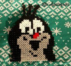 Ihr Lieben, da mein Nähzimmer momentan verwaist, zeige ich Euch heute etwas anderes Kreatives. Meine Tochter und ich haben unsere vie... Rose Buds, Pixel Art, Christmas Ornaments, Holiday Decor, Kids, Character, Pot Holders, Daughter, Christmas Time