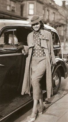 20 Images of African American Vintage Fashion Styles – Black Southern Belle Vintage Glamour, Vintage Beauty, 1930s Fashion, Look Fashion, Vintage Fashion, Fashion Styles, Harlem Renaissance Fashion, Renaissance Era, Classic Fashion