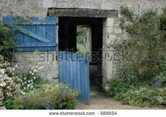 French Farmhouse Stock Photo 589054 : Shutterstock