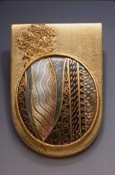 Marilyn Druin, brooch - gold, polymer