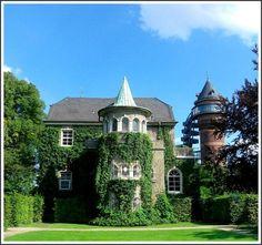 Schloss Styrum, Mülheim an der Ruhr ~ North Rhine-Westphalia ~ Germany
