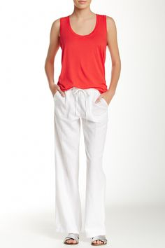 Love these casual white linen pants.