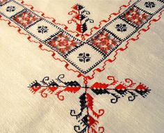 Embroidered table linen | lapety.com