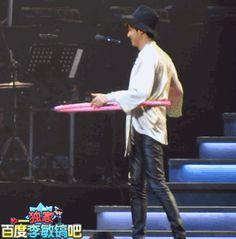 Hulahooping. Re:MinHo in Shanghai, 20141122.