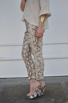 I will never say it enough- I love snake print!