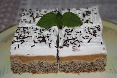 Výborný, rýchly koláčik s jabĺčkami z našej záhrady:)) Izu, Interior Design Living Room, Food And Drink, Cake, Populárne Piny, Anna, Design Ideas, Basket, Kuchen