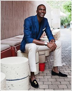 Blue Blazer — White Pocket Square — White Chinos — Black Suede Espadrilles — Black Crew-neck T-shirt Blue Blazer Men, White Pants Men, White Chinos, Sharp Dressed Man, Well Dressed Men, White Pocket Square, Best Street Style, Loafers Outfit, Bronze