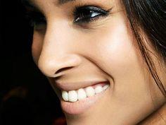 Teeth-Whitening Products That Work | Shop: Byrdie #Skinwhiteningproducts #Naturalskinwhitening