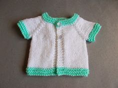This easy baby sweater knitting pattern is too cute! This Contrast Trim Preemie Baby Cardigan is designed to fit premature babies and includes patterns for small, medium, and large premature sizes. Baby Knitting Free, Baby Cardigan Knitting Pattern Free, Crochet Baby Jacket, Baby Sweater Patterns, Baby Knitting Patterns, Crochet Patterns, Baby Patterns, Knitting Ideas, Cardigan Pattern