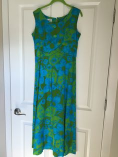 Vintage blue and green maxi dress. Fits a size 6-8. Ask for measurements. Very flattering cut. $35 plus shipping Buy My Clothes, Green Maxi, Summer Dresses, Blue, Stuff To Buy, Vintage, Fashion, Moda, Summer Sundresses