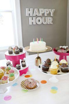 5 Temporary Cake Stand DIYs