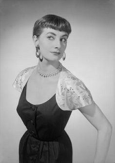 Great mid-50s bangs. #hair #vintage #fashion #1950s