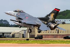 Turkish Solo Turk back up F-16 RIAT 14
