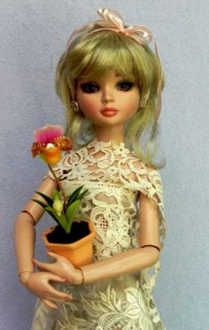 MOTHERS-DAY-ORCHID-FLOWER-DOLL-PLANT-MINIATURE-DIORAMA-ELLOWYNE-TYLER-CAMI