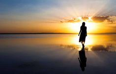 O que eu tenho não me pertence, embora faça parte de mim. Tudo o que tenho foi um dia emprestado pelo Criador para que eu ...