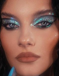 Makeup Inspo, Makeup Art, Eye Makeup, Hair Makeup, Makeup Ideas, Ethereal Beauty, Photo Makeup, Aesthetic Makeup, Woman Painting