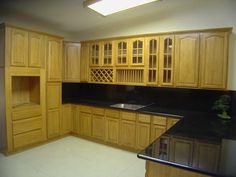 Natural Oak Kitchen Cabinets – Solid All Wood Kitchen Cabinetry Kitchen Cabinets Pictures, Wooden Kitchen Cabinets, Maple Cabinets, Kitchen Cabinet Styles, Oak Cabinets, Kitchen Furniture, Kitchen Paint, Kitchen Ideas, Yellow Cabinets