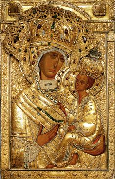 Madonna and Christ Child Religious Icons, Religious Art, Luke The Evangelist, Russian Icons, Byzantine Art, Madonna And Child, Madonna Art, Art Icon, Gold Work