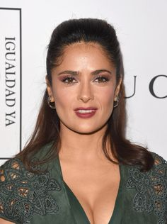 Salma Hayek Photos - Actress Salma Hayek attends the Equality Now's Make Equality Reality event at Montage Hotel on November 2014 in Los Angeles, California. - Equality Now's Make Equality Reality Event - Arrivals Daily Hairstyles, Bride Hairstyles, Salma Hayek Pictures, Mother Of The Bride Hair, Romantic Wedding Hair, Female Actresses, Hot Actresses, Foto Pose, Celebrity