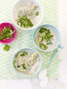 Laktosefrei: Kokos-Zitronengrassud mit Hühnchen-Wan Tan