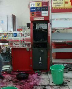 Furto em caixa eletrônico em Santo Antonio da Posse mobiliza policiais da região - http://acidadedeitapira.com.br/2015/11/10/furto-em-caixa-eletronico-em-santo-antonio-da-posse-mobiliza-policiais-da-regiao/