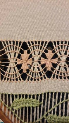 Arte del Filo Associazione Culturale Ricamo's media content and analytics Hand Embroidery Flowers, Embroidery Patterns, Monks Cloth, Drawn Thread, Hardanger Embroidery, Point Lace, Embroidery Techniques, Crochet, Needlework