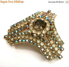 Big Holiday Sale Hobe' Rhinestone Brooch Smoky by Vintageimagine