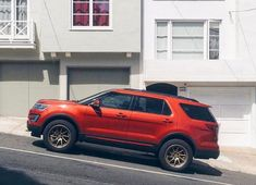 In this article, we will show you Ford Explorer 33 inch tires vs and tell which lift height is required to install them on your or generation model. Required tire size and and suspension spacer lift options. Lifted Ford Explorer, Ford Explorer Sport, Ford Explorer Accessories, New Explorer, Tyre Fitting, Sport Trac, Mid Size Suv, Suv Trucks, Cars