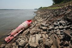 Drought closes 11 mile section of Mississippi river