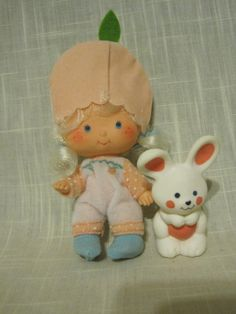 This was the one Strawberry Shortcake that I had!  She smelled for years!  So very good and Peachy.  Probably had all sorts of horrible chemicals in it, to make it smell so many years...