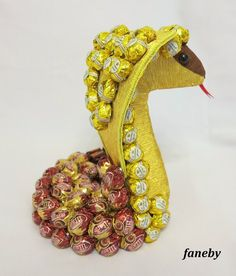 Jute Crafts, Candy Bouquet, Bracelet Watch, Birthday Gifts, Fruit, Sweet, Design, Baby Dolls, Candy Arrangements