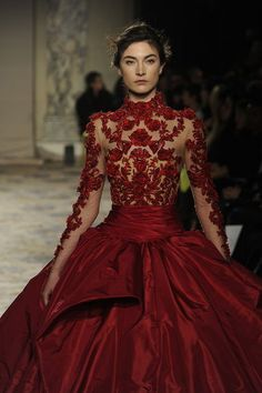 Red and Details, nothing more to say Marchesa