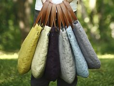 Great Linen totes, I'll take one of each please! I love linen...