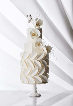 Modern ways to reinvent this time-honoured wedding dessert.Read more › traditional wedding cake Four Unique Takes On The Traditional White Wedding Cake Textured Wedding Cakes, Floral Wedding Cakes, White Wedding Cakes, Elegant Wedding Cakes, Beautiful Wedding Cakes, Beautiful Cakes, Wedding White, White Weddings, Lace Wedding