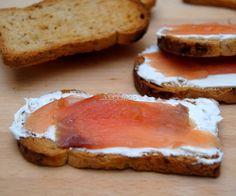 Un sencillo entrante: queso crema y salmon ahumado